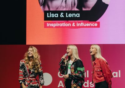 Global Social Awards_Lisa&Lena